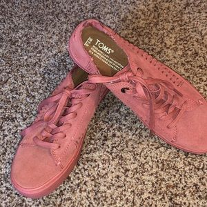 Salmon colored Suede Laceup Toms
